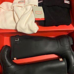 Hunter Tall Black boots w/ 2 pair boot socks great